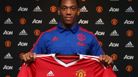 Official Manchester United Website | Manchester united ...