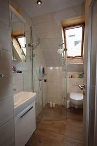Badezimmer Mit Schräge : mini bad mit schr ge modern badezimmer k ln von ~ Lizthompson.info Haus und Dekorationen