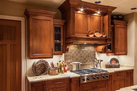 la cuisine classique cuisine classique bois teint armoires