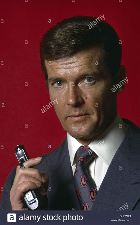 roger moore die another day portrait actor roger moore stock photos portrait actor