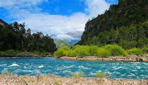 Río Futaleufú, En Chile Y Argentina