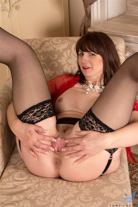 Sultry Lingerie Milf Toni Lace Is Taking Various Poses And Reaching The Sex Ecstasy