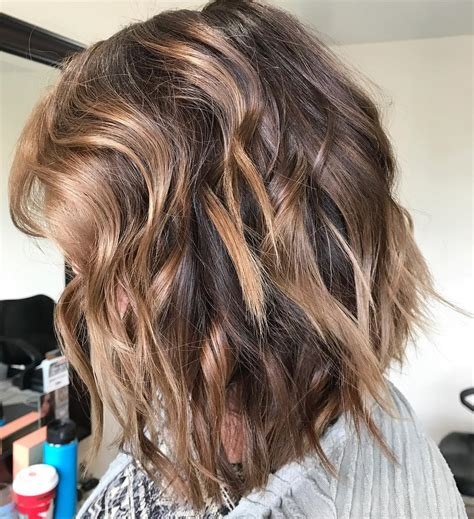 styling tips for shoulder length hair 10 wavy shoulder length hairstyles with edge top tips