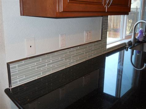 Backsplash Glass Tile Edging by An Idea Kitchen