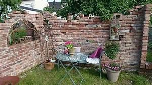 Alte Ziegelsteine Im Garten : pin von heike vom hofe auf garten ruinenmauer ~ A.2002-acura-tl-radio.info Haus und Dekorationen
