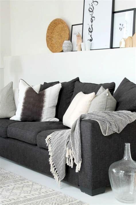 Black And Gray Sofa by Best 20 Gray Sofa Ideas On Gray