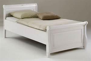 Bett Liegefläche 100x200 : einzelbett 100x200 wei holzbett kiefer massiv poarta ~ Markanthonyermac.com Haus und Dekorationen