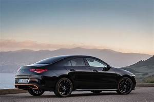 Mercedes Cla Blanche : 2020 mercedes benz cla coupe unveiled at ces 2019 new mbux and garmin smartwatch autoevolution ~ Melissatoandfro.com Idées de Décoration