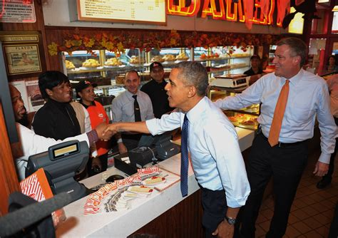 President Obama And Bill De Blasio Have Cheesecake Date At Junior's Observer