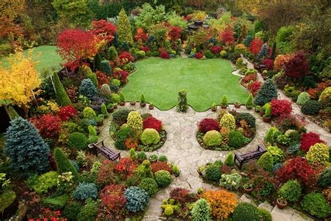 autumn garden plants i have pinned several photos of this garden the private quot four seasons garden quot in the u k but