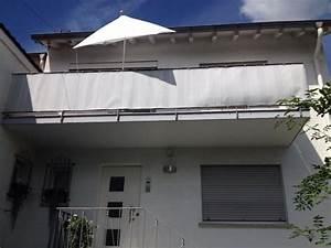 Ein schattiges platzchen balkon sichtschutz sonnenschutz for Französischer balkon mit sonnenschirm pocket