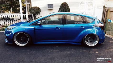 low ford focus side