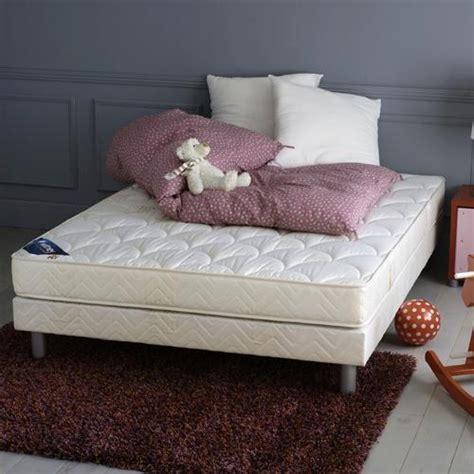 tapis brun photo 10 10 un tapis brun dans une chambre 224 coucher