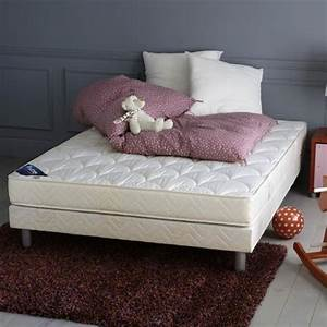 tapis brun photo 10 10 un tapis brun dans une chambre With tapis chambre a coucher