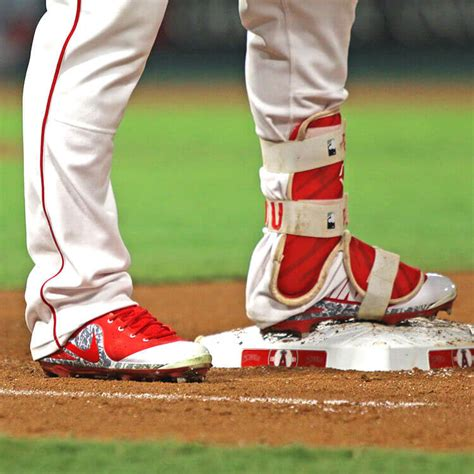 pros wear mike trout cleats  trout  asg