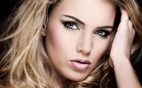 Beautiful Blondes Wallpapers Images Photos Pictures Backgrounds