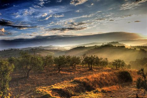 tuscan landscapes top tips for tuscany essential italy