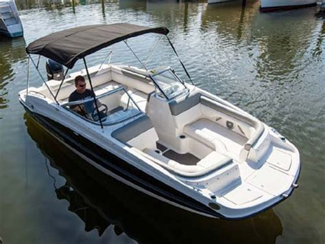 Deck Boat Fishing Package by 2014 Bayliner 190 Deck Boat Review Top Speed