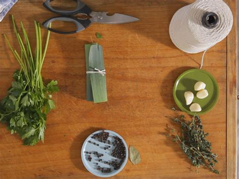 cuisine bouquet garni how to a bouquet garni how to cooking channel