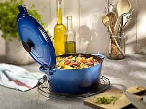 Cocotte Fonte Invicta : la cocotte invicta et ses avantages dans votre cuisine ~ Frokenaadalensverden.com Haus und Dekorationen