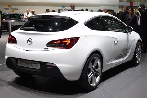 2012 Opel Astra Gtc Frankfurt 2011 Photo Gallery Autoblog