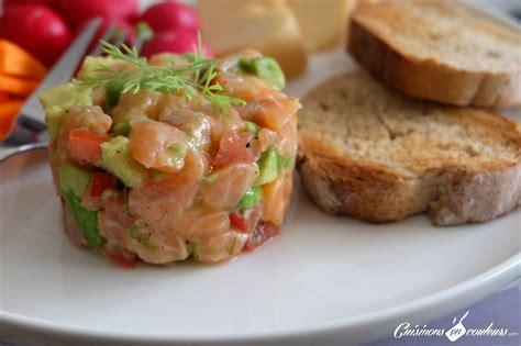 cuisine salade tartare de saumon à l 39 avocat cuisinons en couleurs
