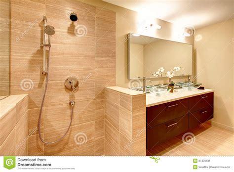 Elegant Warm Tones Bathroom Stock Image   Image: 37476631