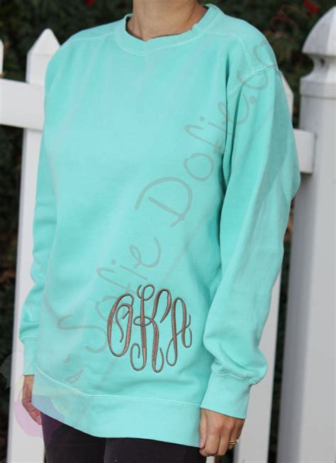 comfort color sweatshirts comfort colors unisex sweatshirt with fancy circle by