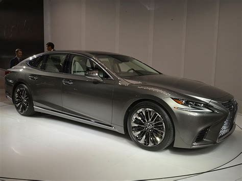 Must See Luxury Cars And Sedans At The 2017 Detroit Auto