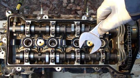 disassemble engine vvt  toyota part  cylinder