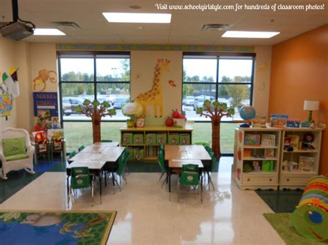 Visit Schoolgirl Style for hundreds of classroom photos 3 ...