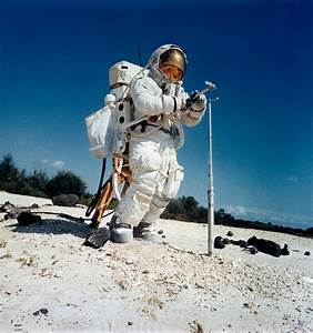 Apollo 16 Astronauts - Pics about space