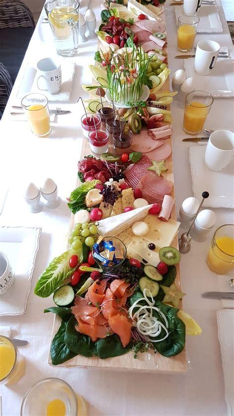 cheese board table scape fruehstuecks buffet