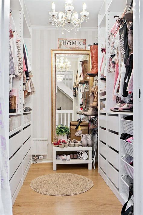 Walk In Closet Wallpaper by 1177 Best Walk In Closets Images On Walk In