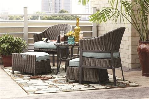 a 5 patio conversation set made of wicker with