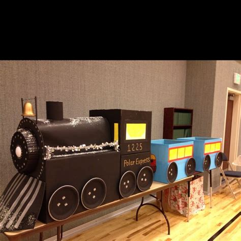 polar express train  aunt    boxes craft