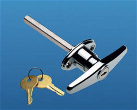 Part Q Garage Doors by Ideal Door 174 Side Keyed T Handle Lock For Overhead Garage