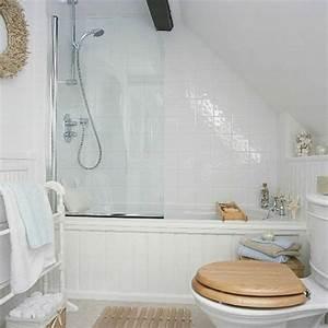 Badezimmer Gestalten Dachschräge : kleines bad einrichten nehmen sie die herausforderung an ~ Markanthonyermac.com Haus und Dekorationen
