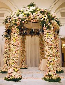 Beautiful floral ceremony chuppahs topweddingsitescom for Flower ideas for wedding
