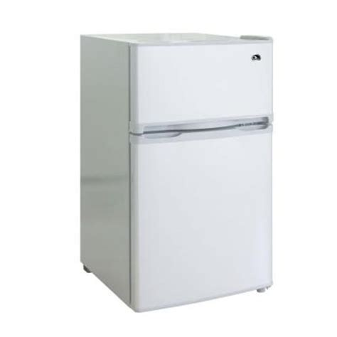 2 door mini fridge igloo 3 2 cu ft mini refrigerator in white 2 door fr832