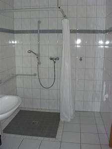 Ebenerdige Dusche Einbauen : ebenerdige dusche und waschmaschinenanschluss haus lebensform ~ Frokenaadalensverden.com Haus und Dekorationen