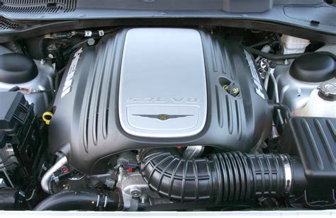 2005 Chrysler 300 Engine by Chrysler 300c Saloon Review 2005 2010 Parkers