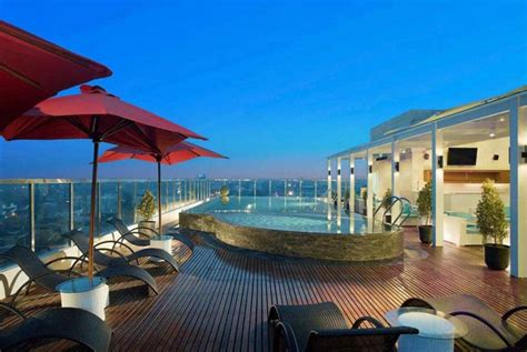 hotel yogyakarta  kolam renang  lantai