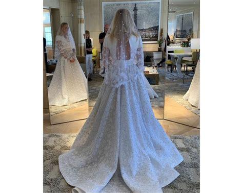Sophie Turner's Louis Vuitton wedding dress took 1,098 ...