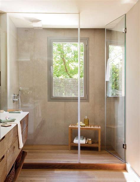 Kleines Bad Mit Dusche Und Fenster by Modernes Bad Mit Holz Waschtischunterschrank Und