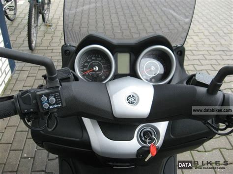 Gts 250i And Yamaha X Max by 2011 Yamaha X Max 250 250 Xmax
