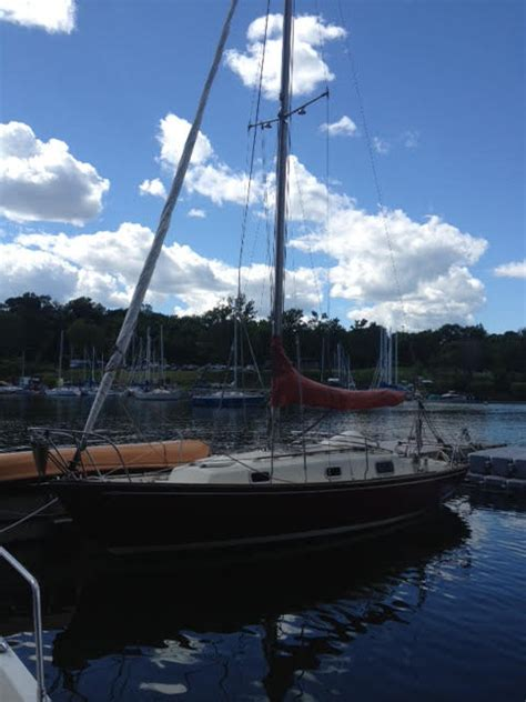 Boat Cleaning Kingston Ontario by 1986 Contessa 26