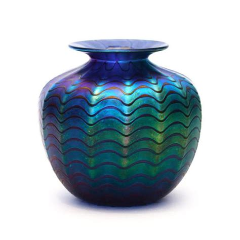 Vasen Len Shop by Vizzusi Glass Vase Medium Blue Luster The Getty Store