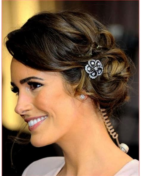 15 photo of wedding hairstyles for long hair with round face