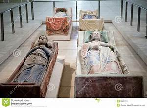 Seat Angouleme : tomb of richard the lionheart and isabella of angouleme in fontevraud abbey stock photo image ~ Gottalentnigeria.com Avis de Voitures